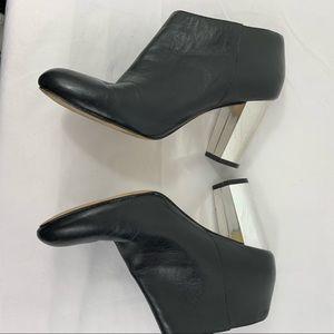 Dolce Vita Shoes - DOLCE VITA BLACK & SILVER CHUCKY HEEL 7.5